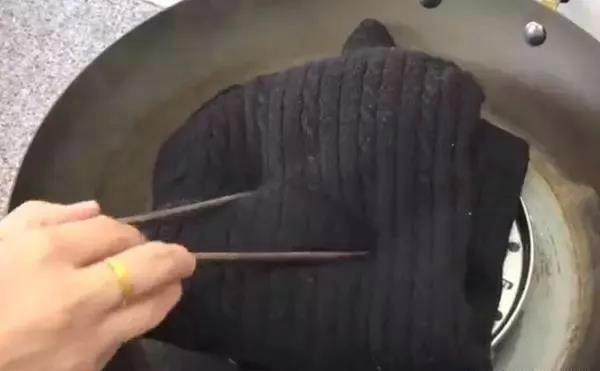 毛衣放锅里蒸一蒸,真是太厉害了,解决了很多人的烦恼
