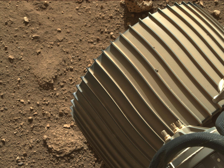 """多图 """"毅力号""""传回6千余张高清照:火星上看太阳是啥样?"""