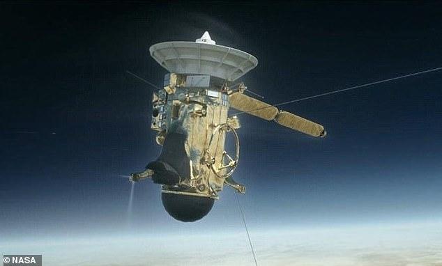 """土卫二厚达12英里的冰层下洋流""""奔涌"""",可能存在外星生命"""