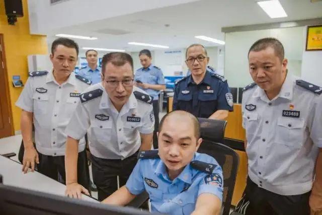 """全国公安系统""""一级英模""""李世全:人如其名,事事求全"""