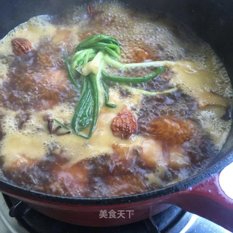 红烧肉炖春笋:笋鲜肉香,食之不腻,满口春意 红烧肉炖春笋 第9张