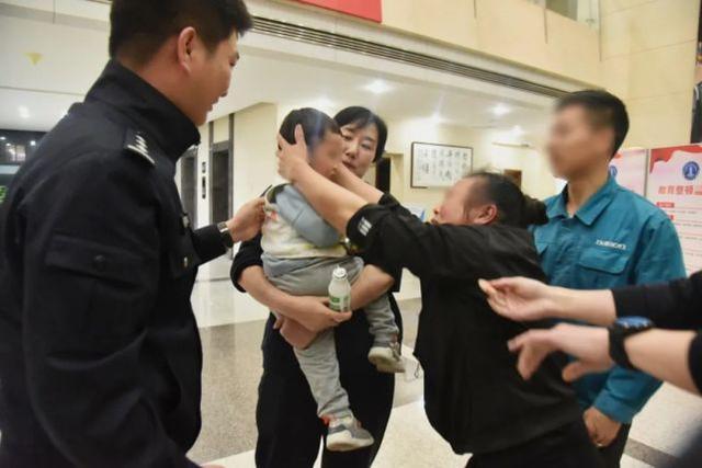 丧心病狂!浙江一男子15万8卖掉亲生儿子后游山玩水到处挥霍