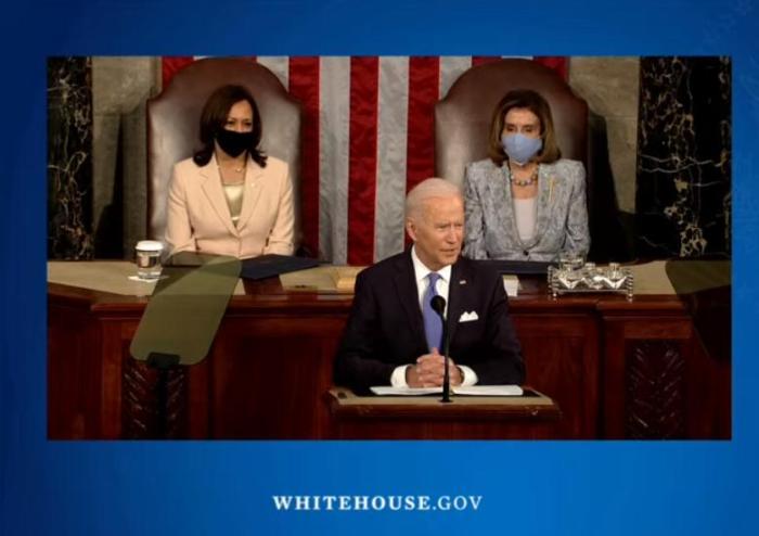 美总统拜登发表首次国会讲话 这两位女性创造了历史