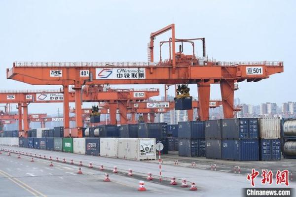 海关总署:前4个月中国进出口同比增长28.5%
