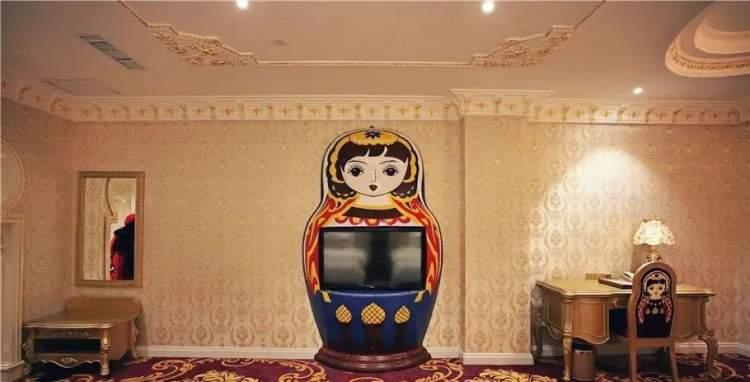 最丑建筑再添一员?!以呆萌网红套娃为原型打造的7星级酒店,看完后竟是这样的感觉……