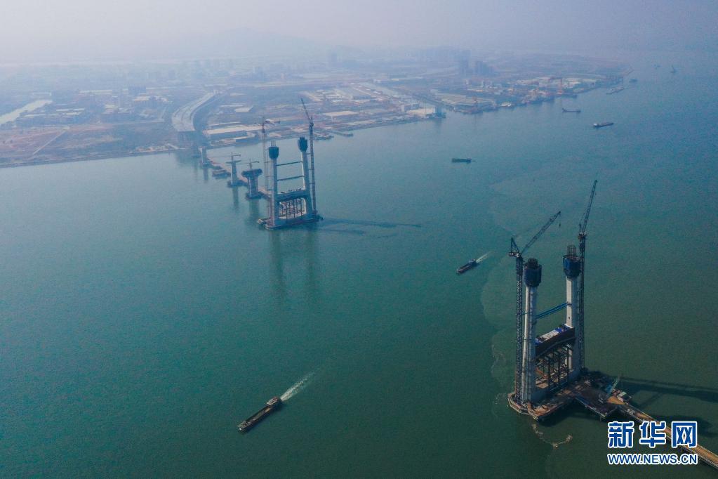 人民日报评论员:推动大湾区建设取得新的更大进展