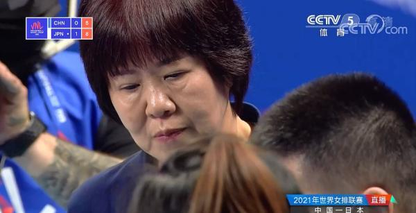 中国女排0-3不敌日本:替补阵容出战,郎平考察新人