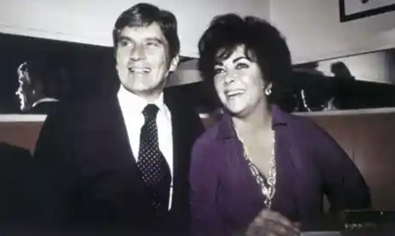 """""""埃及艳后""""第六任丈夫、美国前参议员约翰·华纳去世,享年94岁"""