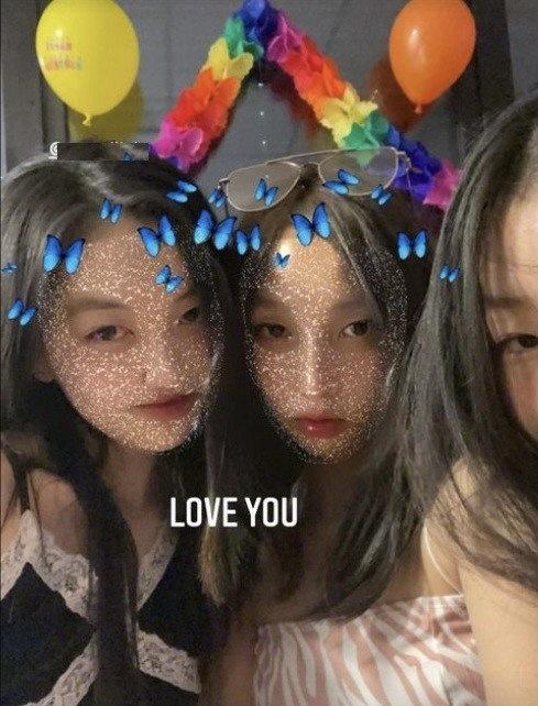 李嫣開派對慶15歲生日,穿吊帶化濃妝,顏值逆襲美到認不出