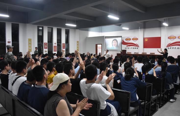 400名南昌學子在岩前村研學
