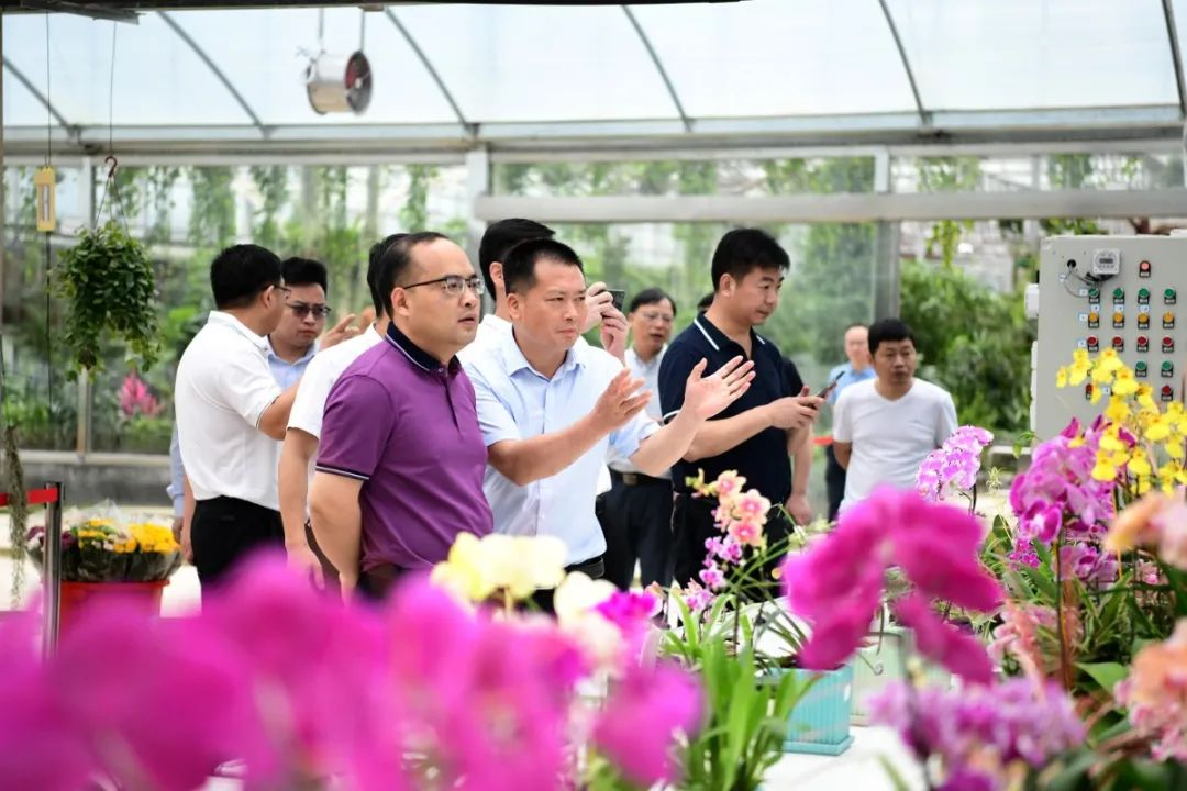 縣委副書記、縣長未小剛率團到于都、永豐考察學習蔬菜産業發展