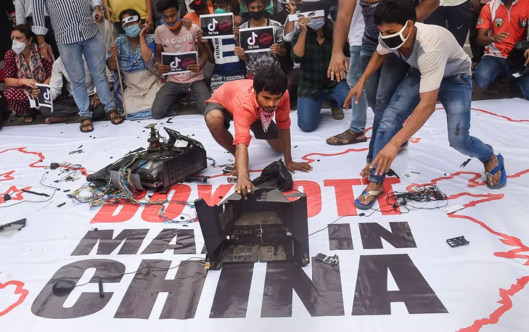 """中印边境冲突一年,印度""""连本带息一起还了"""""""