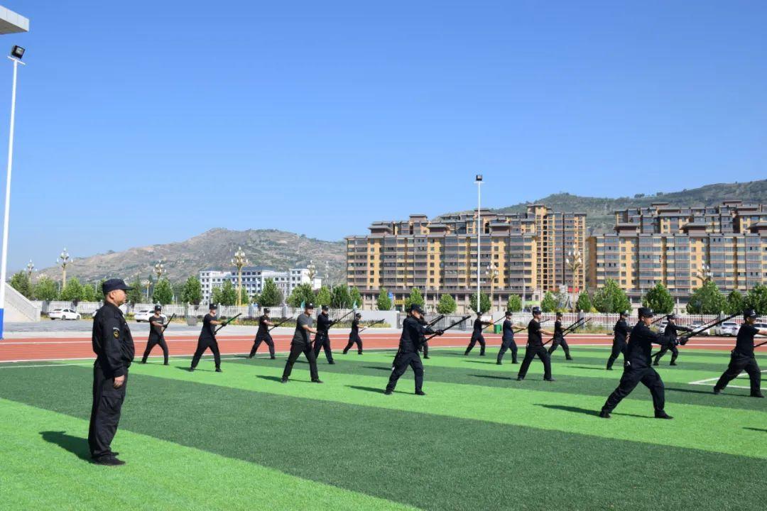 夏季炎炎日 练兵正当时——广河县公安局扎实开展夏季大练兵活动
