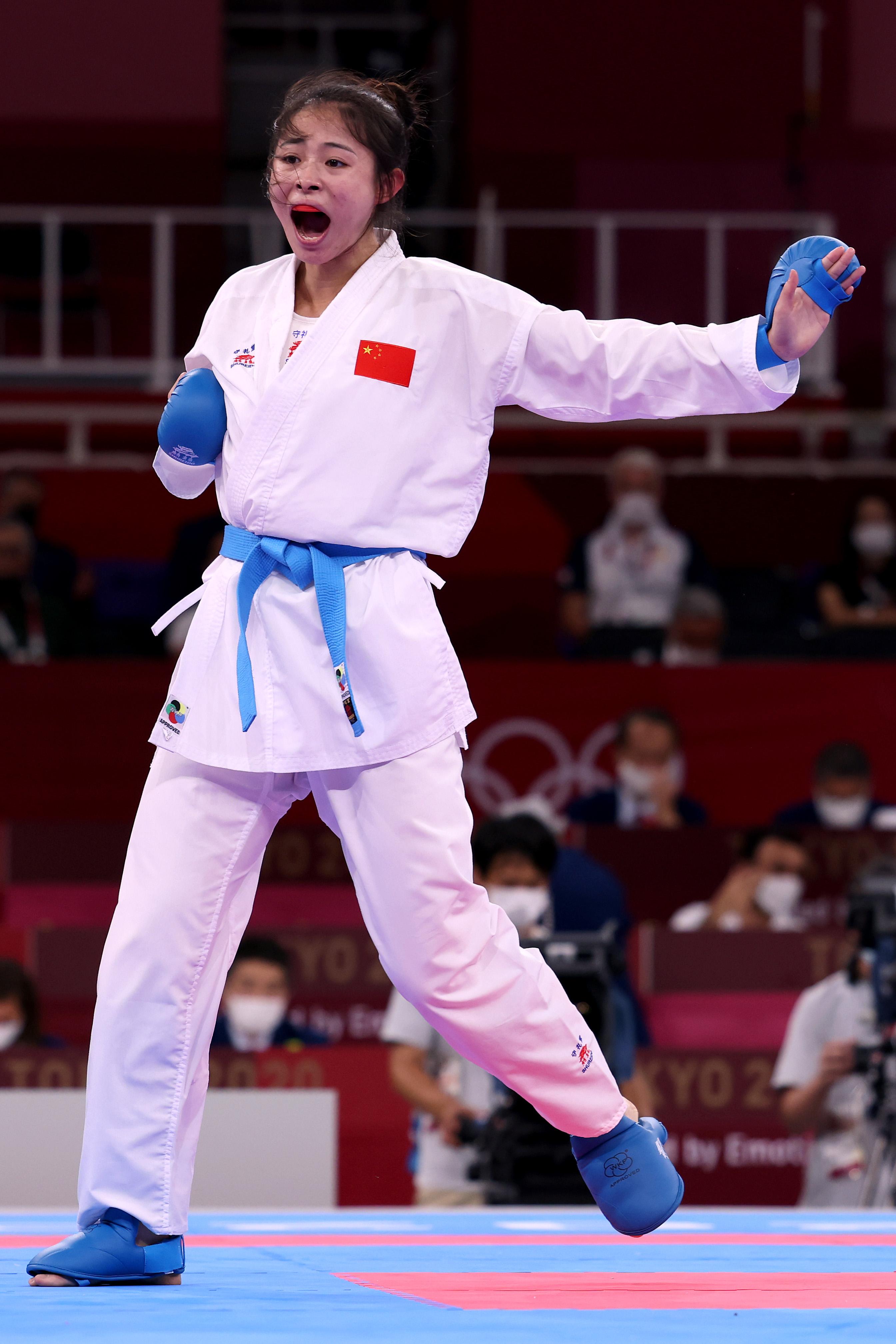 这个女神很能打!龚莉拿下女子空手道61公斤以上级铜牌