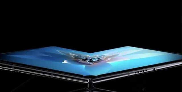 今日热点 | 外观亮了!荣耀Magic X折叠屏手机预计年底发布