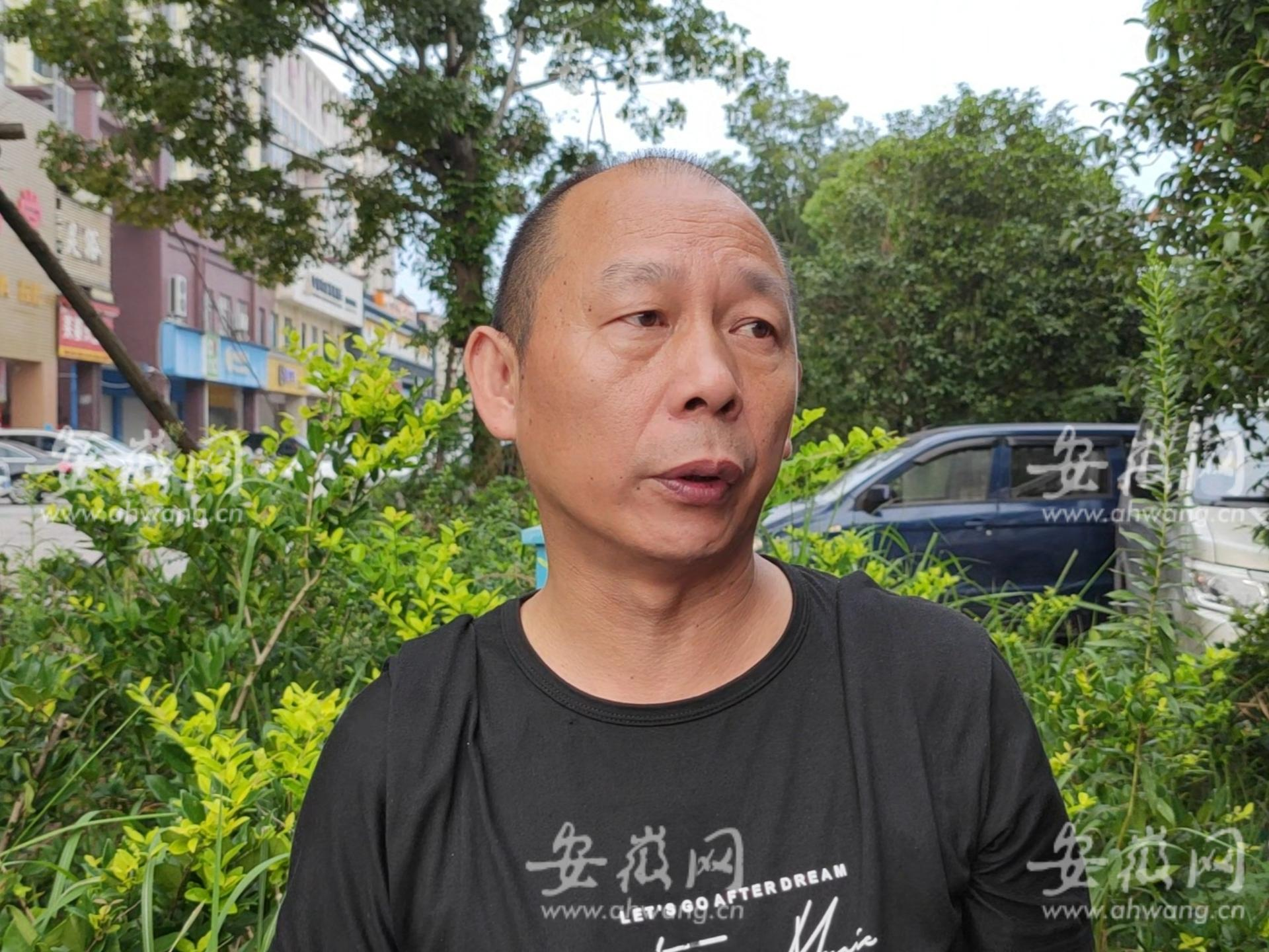 劳荣枝案一审再次开庭 5名亲属已来到南昌中院旁边