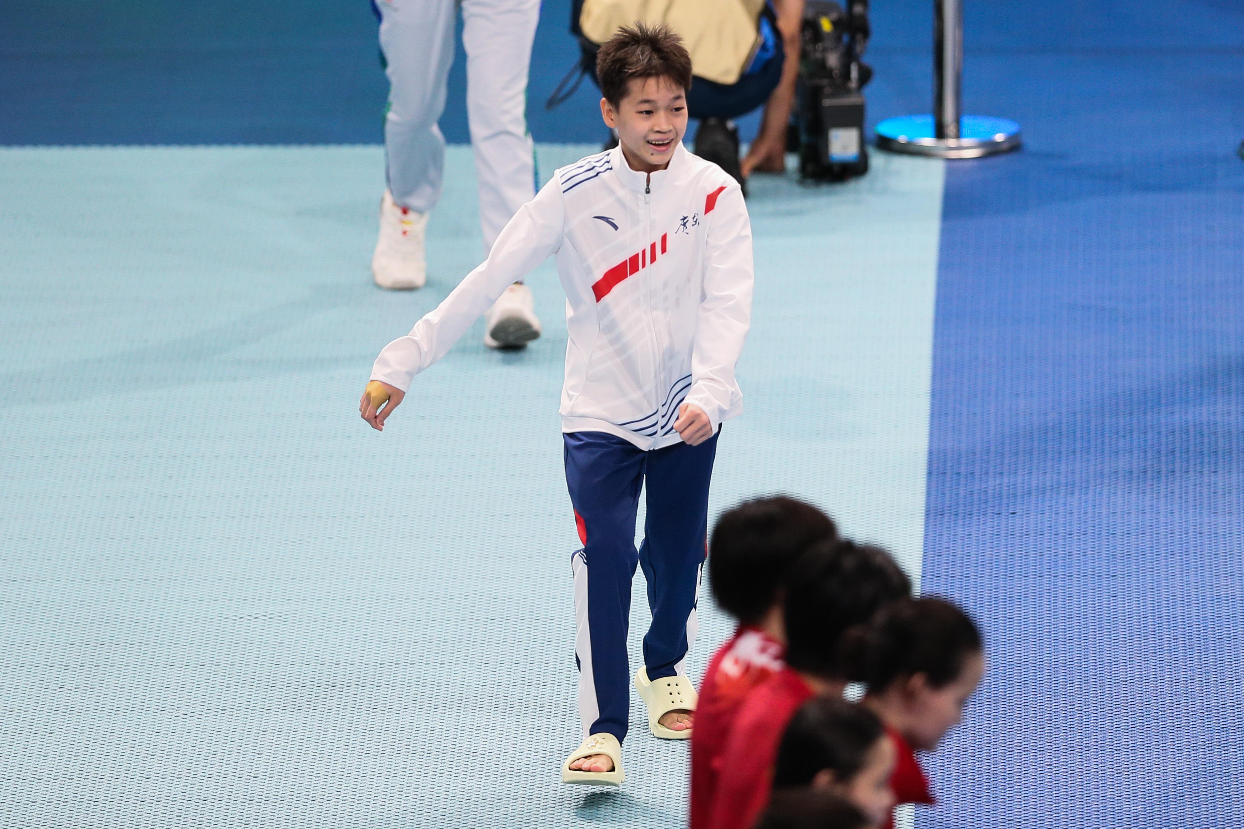逆转取胜!全运会10米台全红婵夺冠,陈芋汐收获银牌