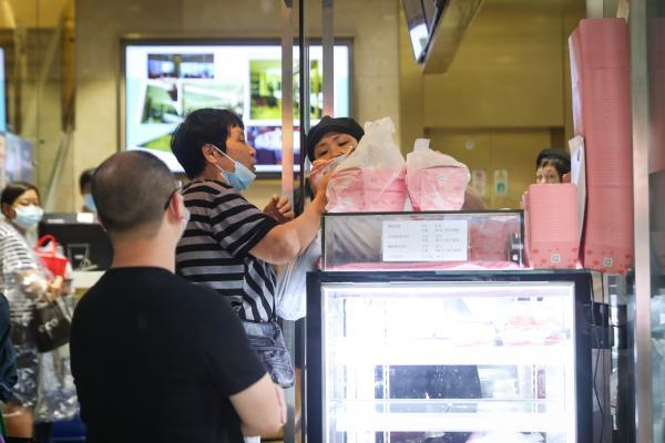 买鲜肉月饼,这个热度台风天也难挡