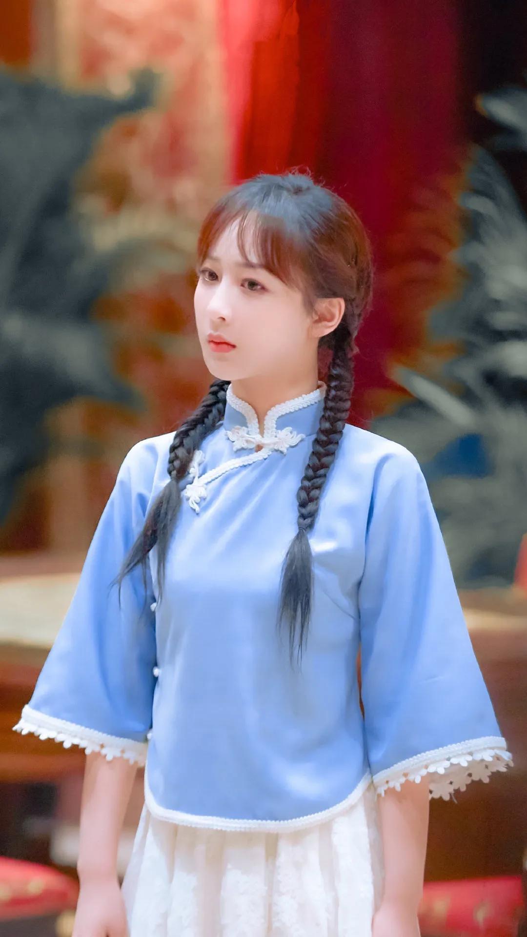 杨紫民国风学生造型太美了