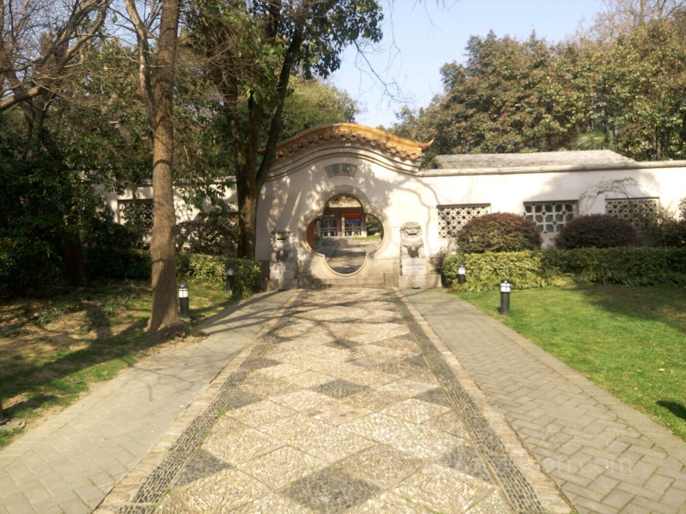 南京雨花台深藏一座千年古刹高座寺 处于松柏环抱的秀丽山岗上