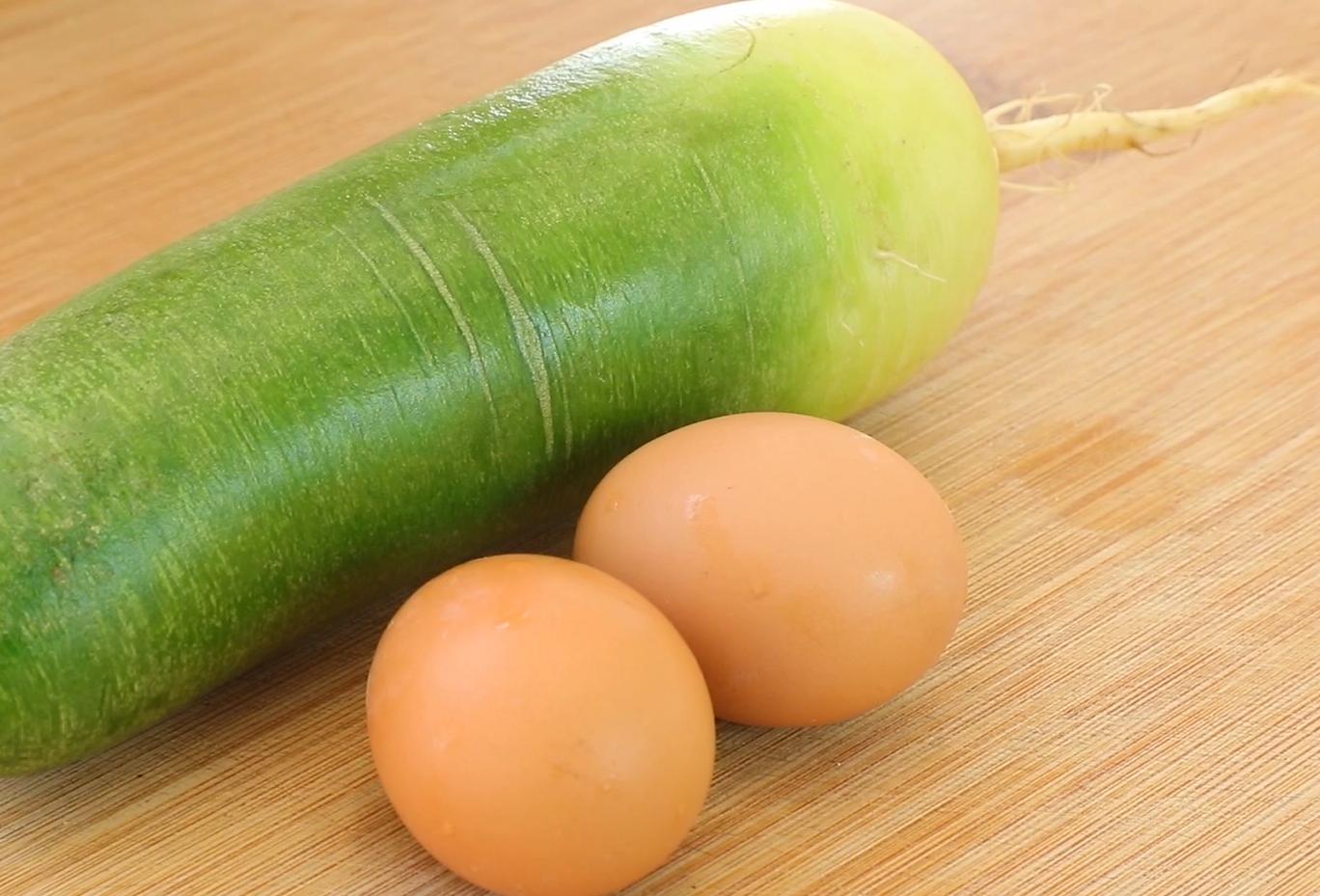 一個蘿蔔,兩個雞蛋,這樣做超好吃,皮薄大餡,香酥多汁比包子香