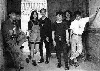 14年前,摇滚天才窦唯,点燃卓伟车后被捕,娶了拉横幅的女粉丝