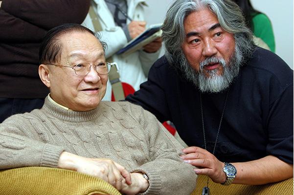 赵薇曾两次拒绝张纪中的电视剧邀约,只因许诺琼瑶4年不拍电视剧