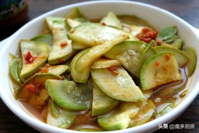 1根西葫芦,3种调味料,重大蒸一蒸,轻松做出一盘家常菜,好吃