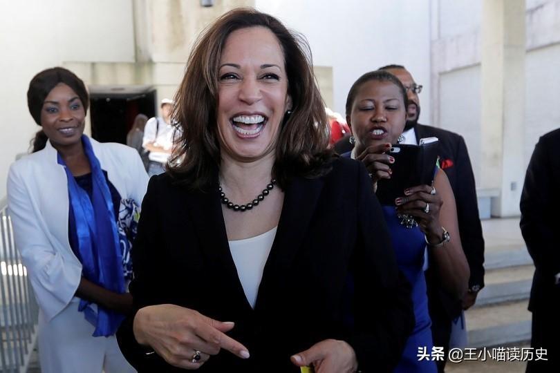 """决战2024:妮基黑莉、""""贺锦丽"""",谁能成为美国首位女性总统"""
