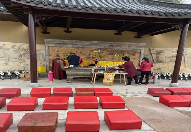 祭祀先祖 感恩先人——状元岭公墓举行清明节集体扫墓仪式