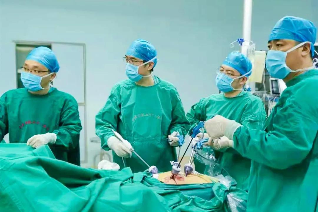 北京大学滨海医院普外科成功实施直肠癌NOSES手术一例