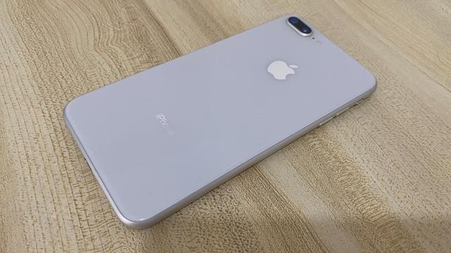 看了苹果二手iPhone收购价,我忽然感觉iPhone8P不香了
