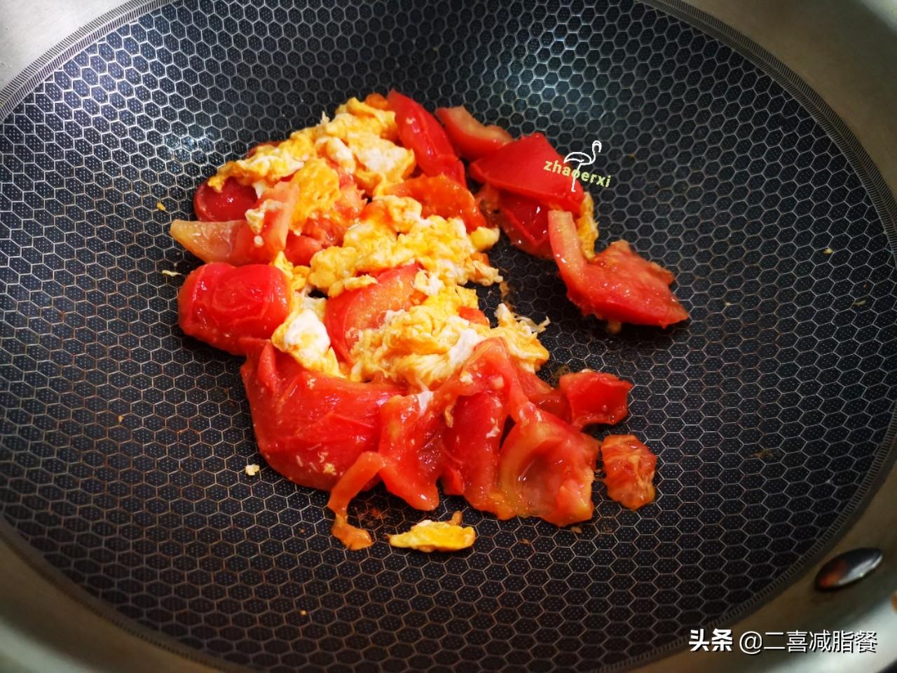 减脂早餐:2大碗的鸡蛋番茄荞麦面,热量310大卡,吃饱才能瘦 减脂餐 第3张