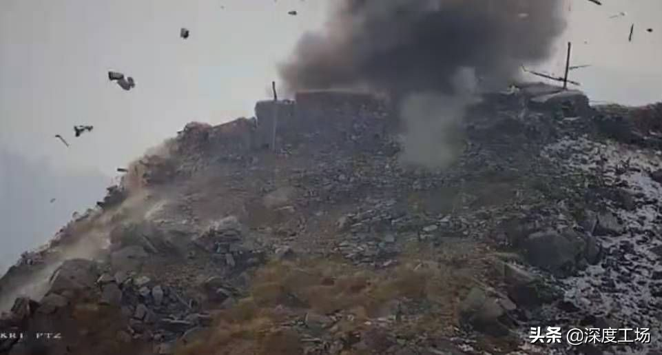 印度特種兵發射導彈,穿越千米大峽谷:钻进巴铁堡垒射击孔爆炸