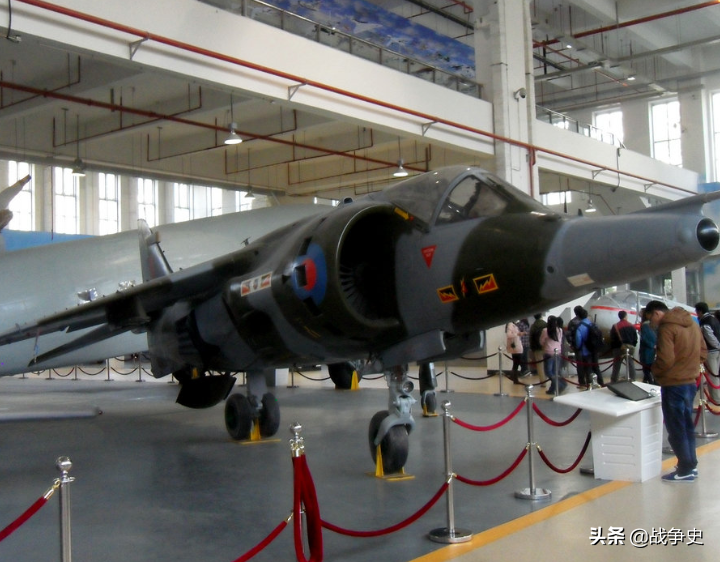 北京博物馆的鹞式战机怎么来的?英国人:为换古董拿出珍藏宝贝