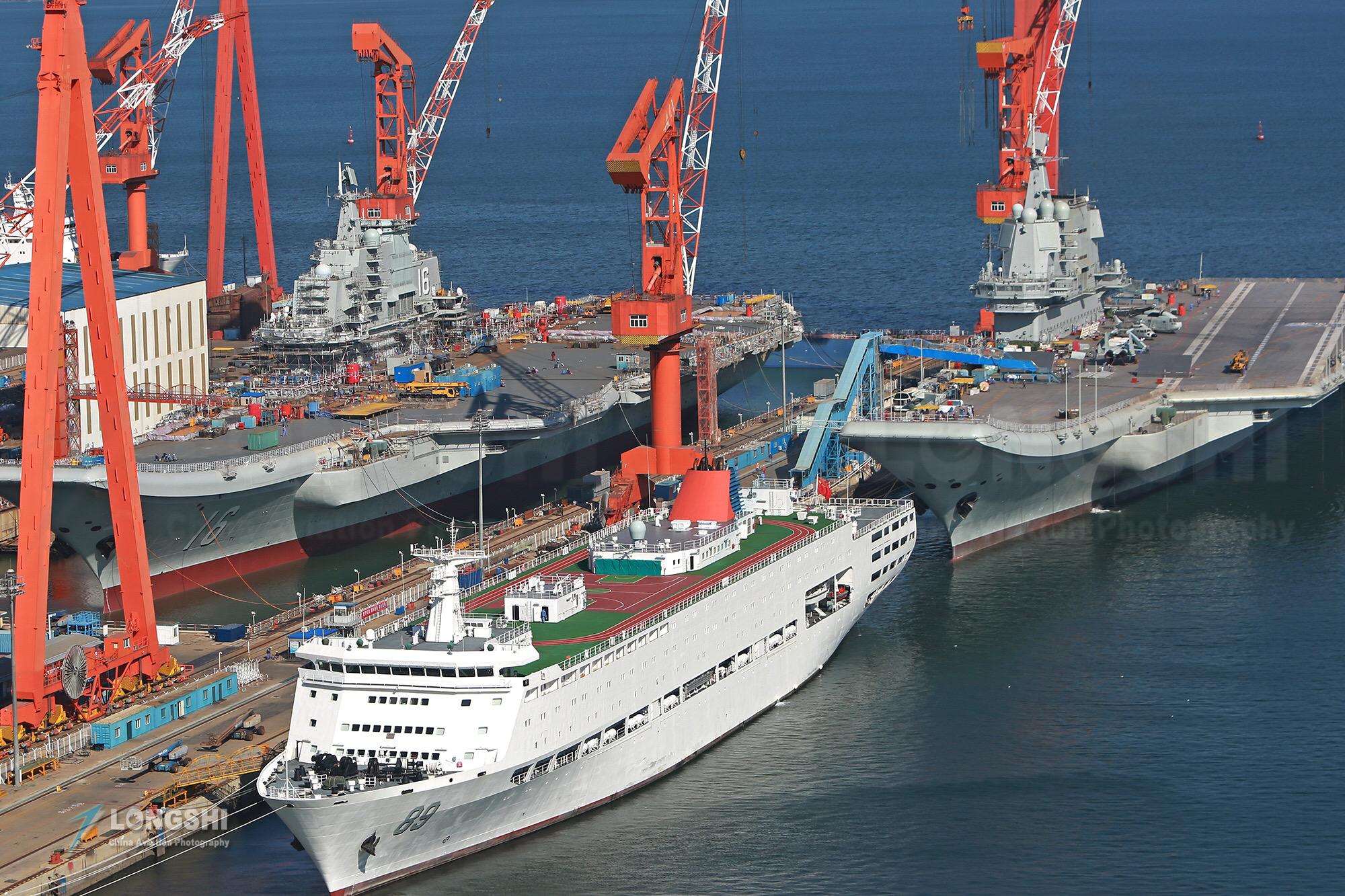 南海不是美国人做主!解放军两舰一艇同时入列,中国已经建立优势