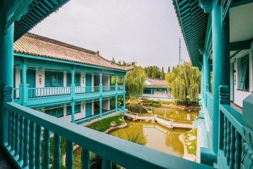 陕旅集团诸葛古镇五周年庆典送上海量福利