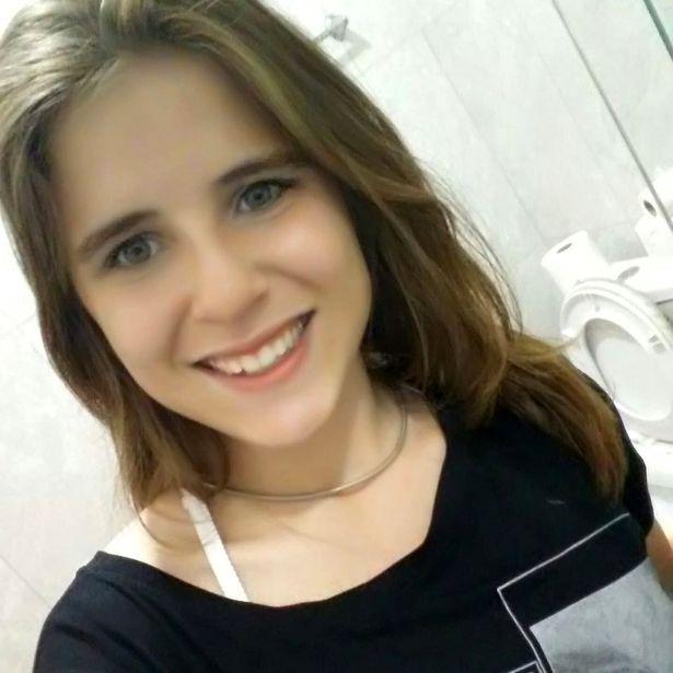 巴西女孩吃完午饭回房,随后离奇死亡,检查才知被胃里肉块噎死