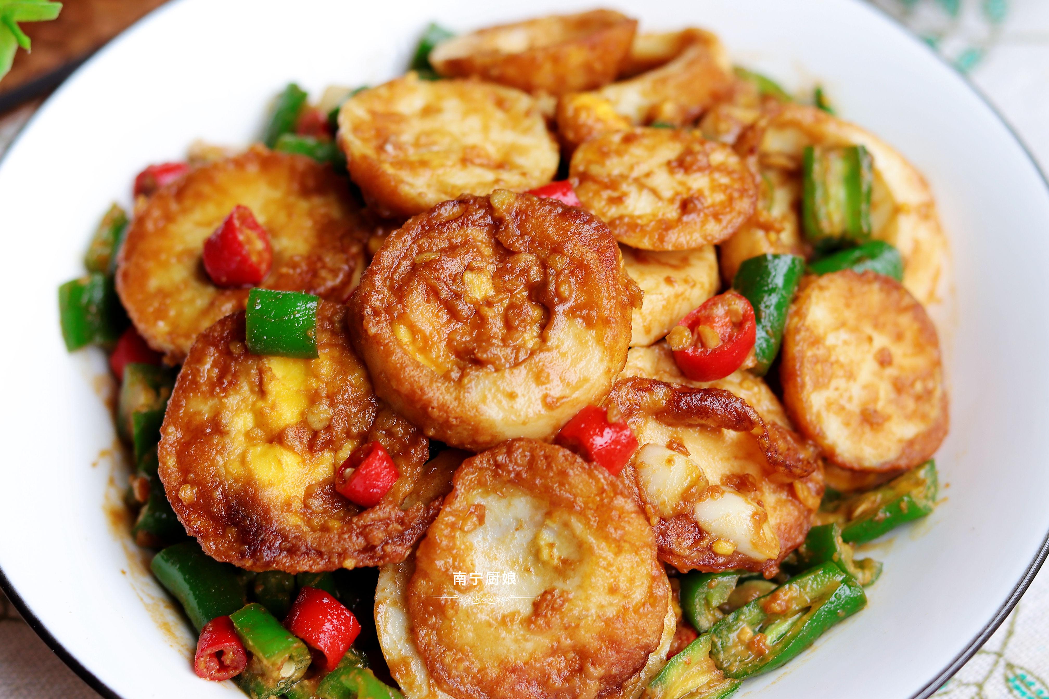 辣椒炒蛋又有新做法,外焦里嫩,香辣下飯,比傳統做法好吃10倍