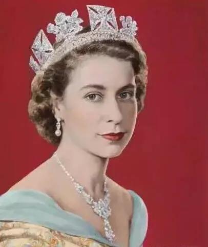 英国女王和首相的区别,究竟谁权力更大?