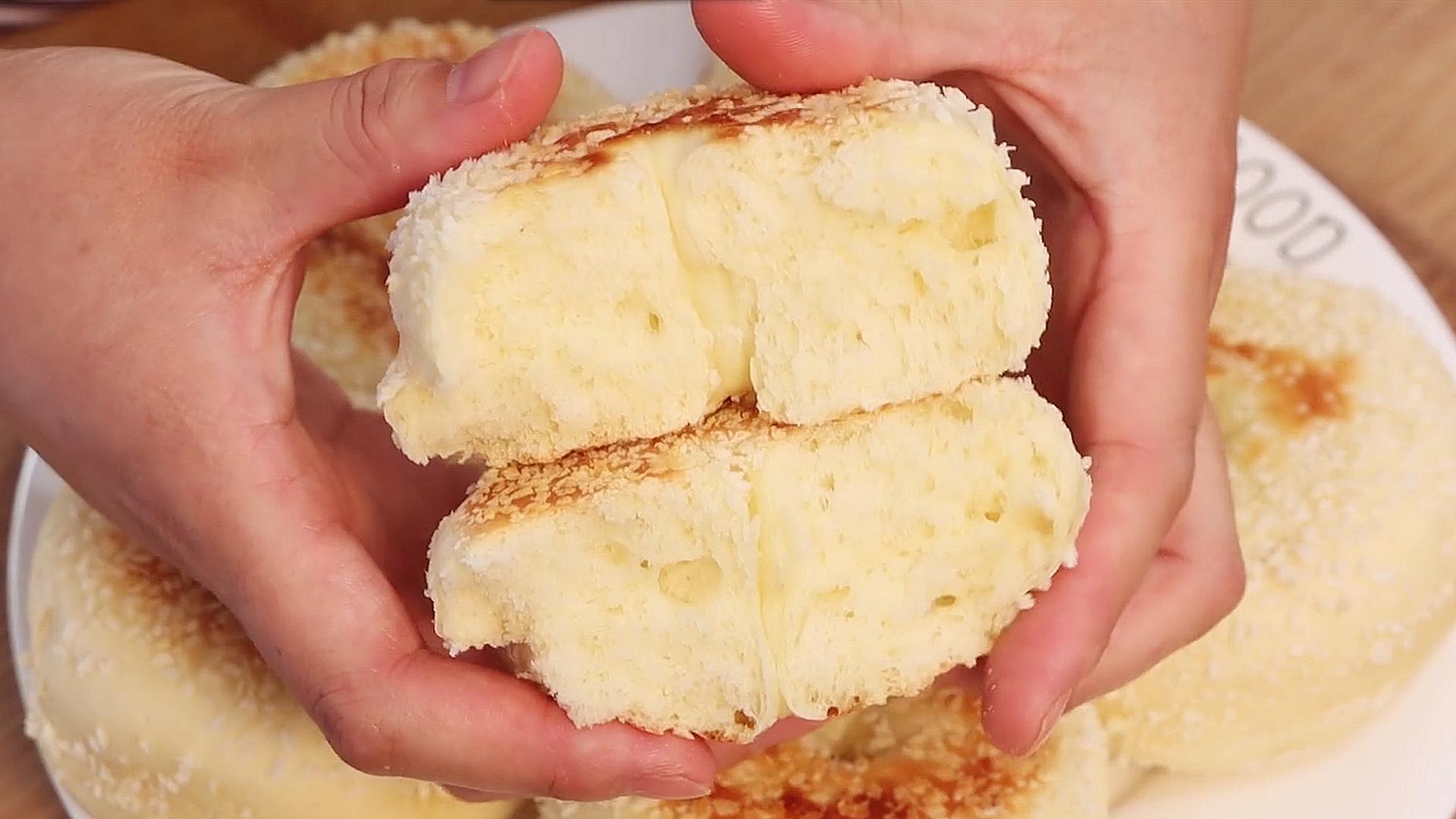 1碗面粉,2个鸡蛋,不蒸不炸也不烤,出锅香甜松软,比面包还香 美食做法 第3张