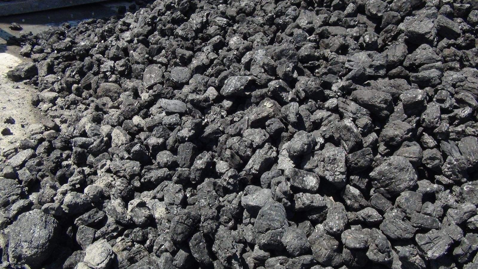我国第一露天煤矿,煤层厚达55.5米,开采105年后成如今的模样