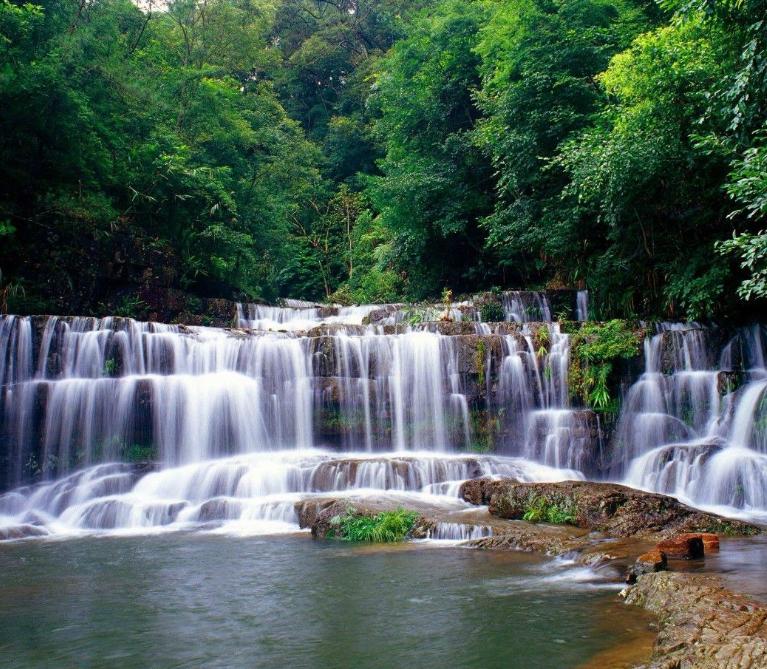 """云南一处瀑布奇观,是""""中国最美六大瀑布""""之一,景色比肩黄果树"""