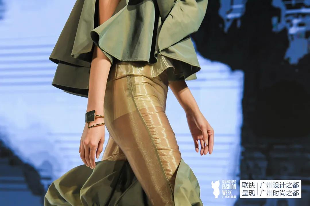 2021广东时装周(春季)秀场直击——玄憬龙服饰