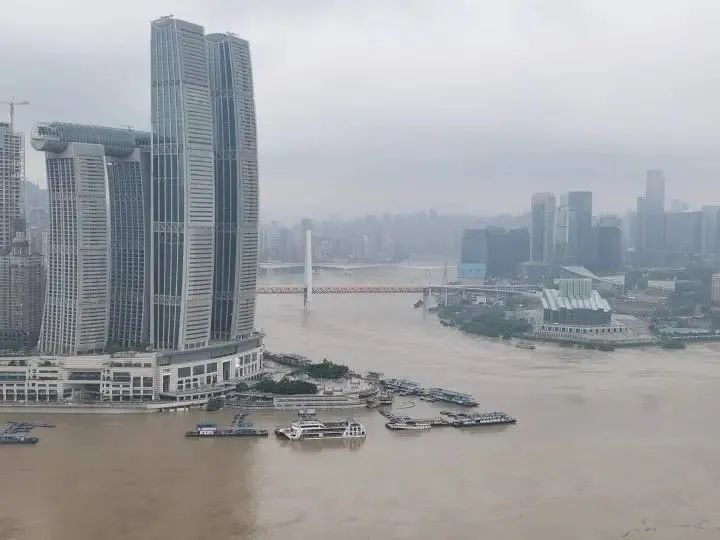 20日凌晨,将迎40年来最大洪峰,重庆挺住