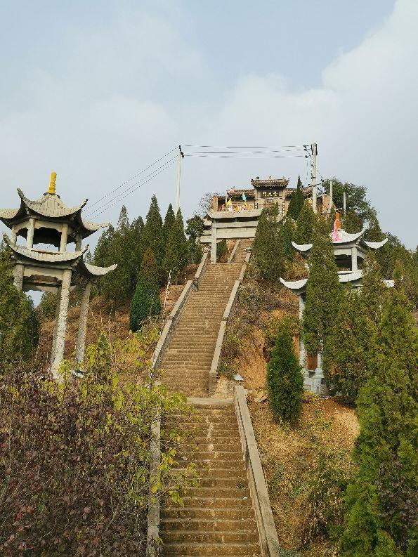 嵯峨山东清凉原,清凉原上有名寺,佛道合一古貌存。