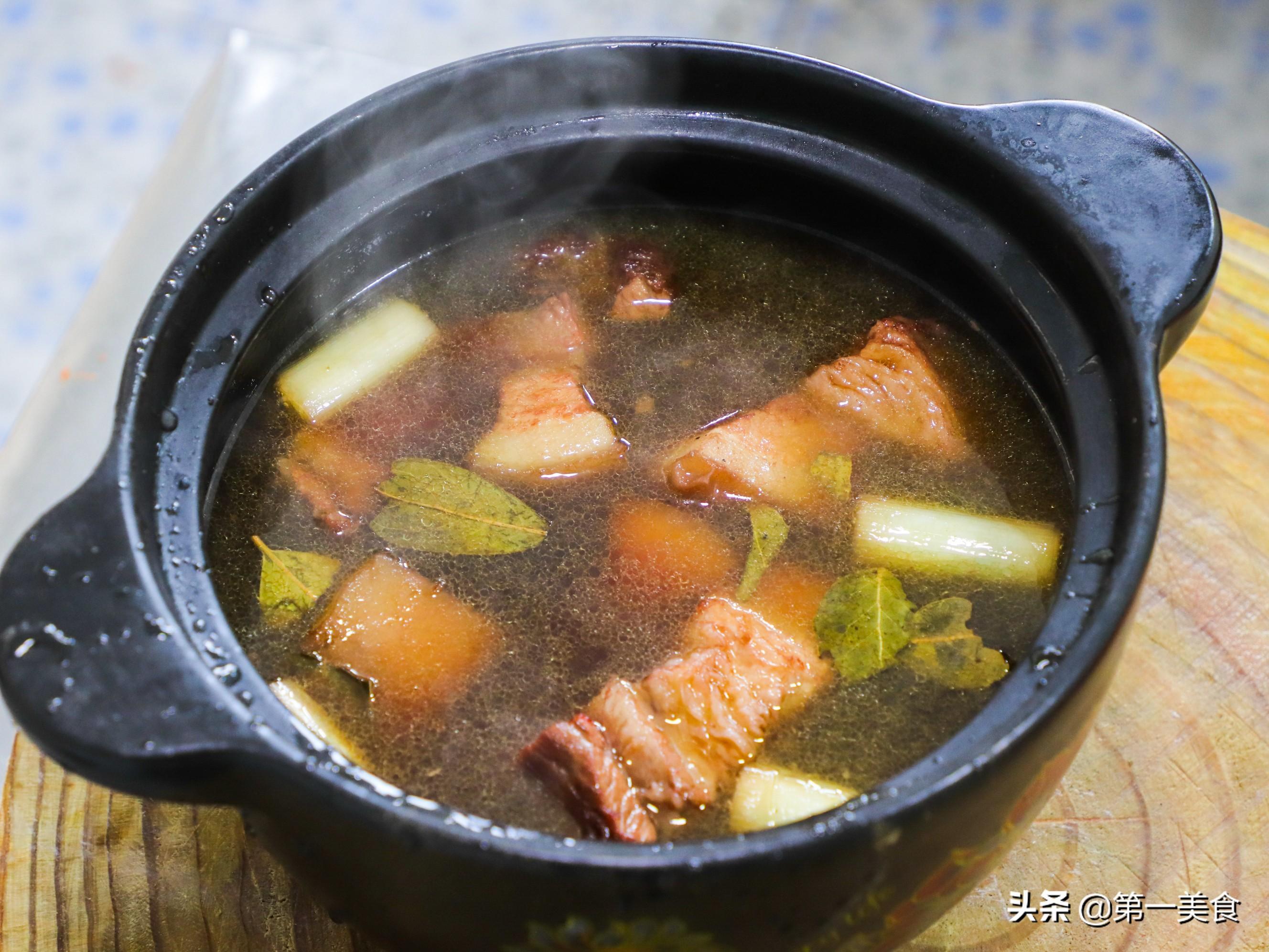 红烧肉最正确的家常做法,大厨把要点全告诉你,肥而不腻,太香了