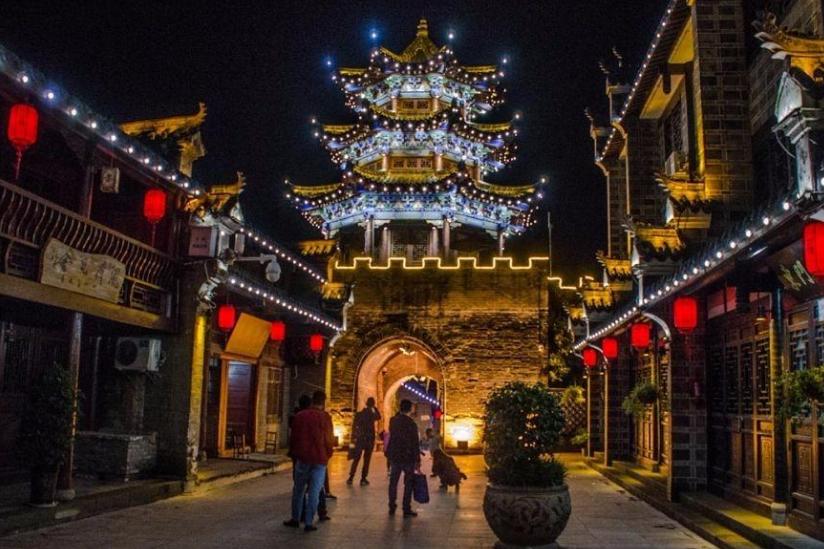 陕西保存度最高的古街,投资1100万建造修复,却因石锅鱼走红