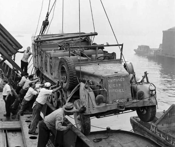 二战时,不足4年生产150艘航母30万架战机290万辆军车!现在10年造不完一艘福特号?