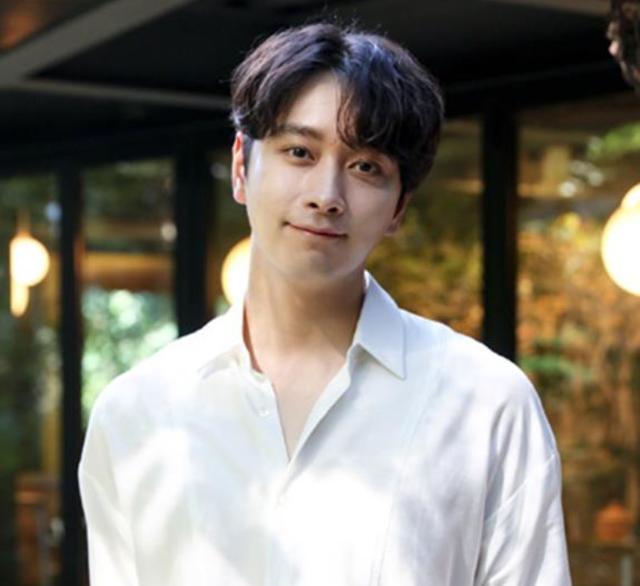 爱豆都是青春饭?韩国男团2PM人气依旧,拍戏和综艺两不误